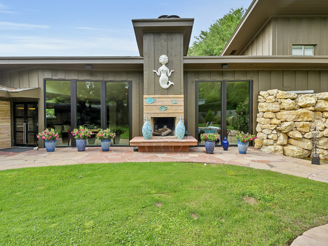 309 Hazelwood Exterior fireplace