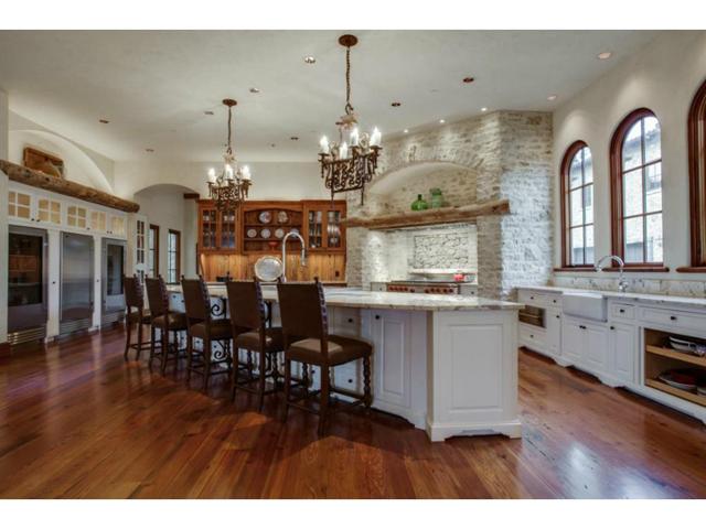 4636 Chapel Hill Kitchen