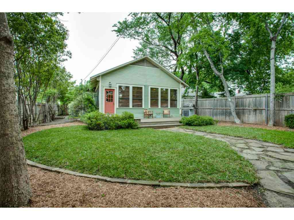 5800 Palo Pinto guest house