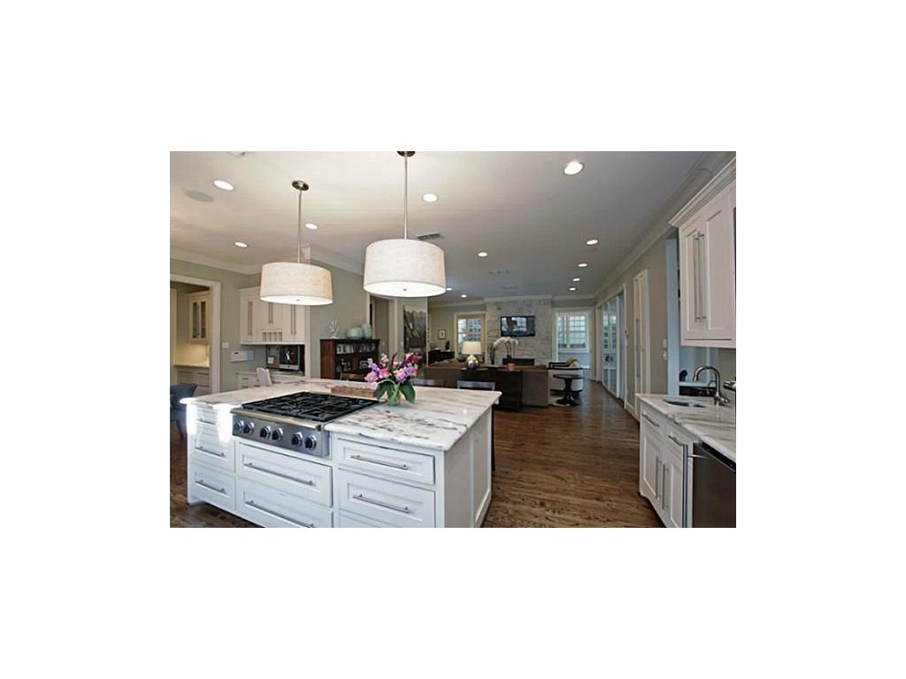 Kayla's house kitchen 2