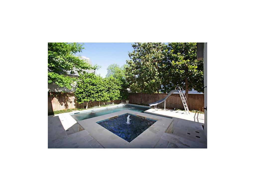 Kayla's house pool