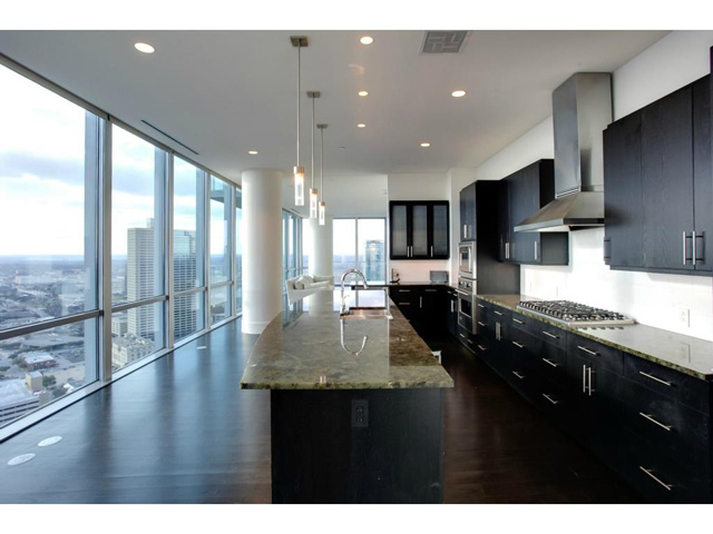 Omni FW Penthouse Kitchen