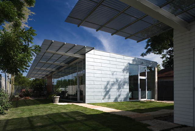 2401 Douglas, designed by Ron Womack, will be on the Dallas Modern Home Tour this Saturday.