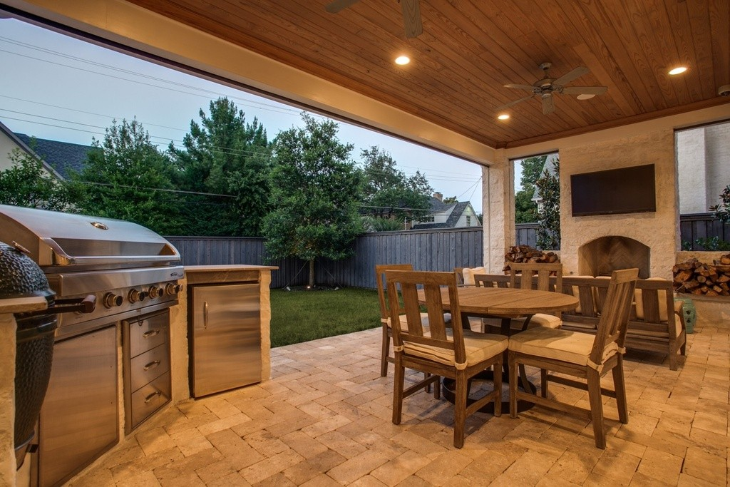 3704 Wentwood patio