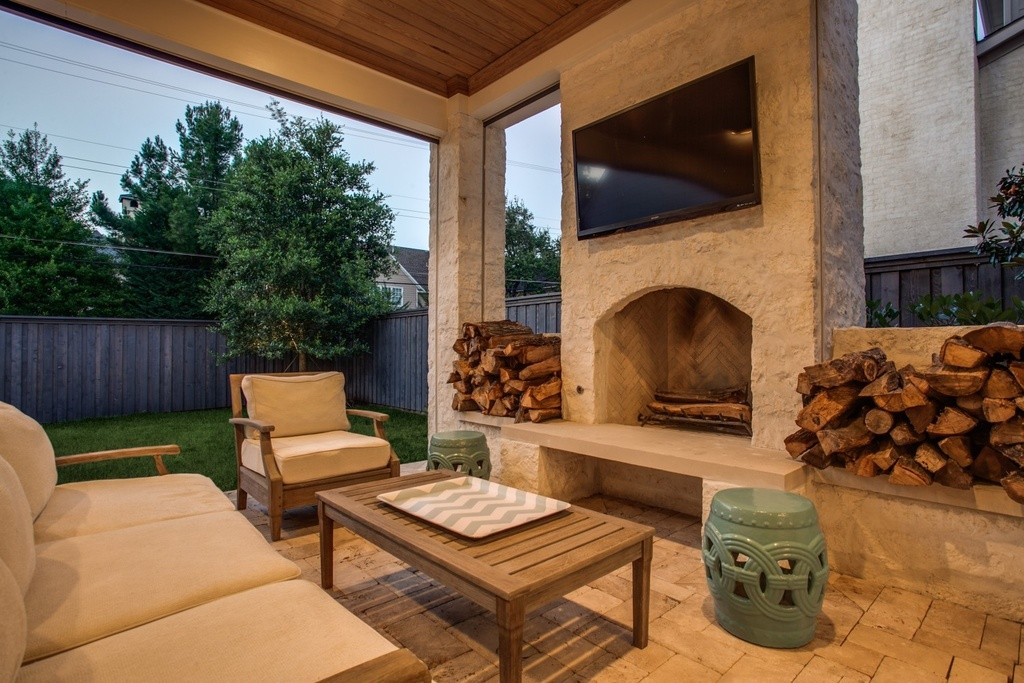 3704 Wentwood patio FP
