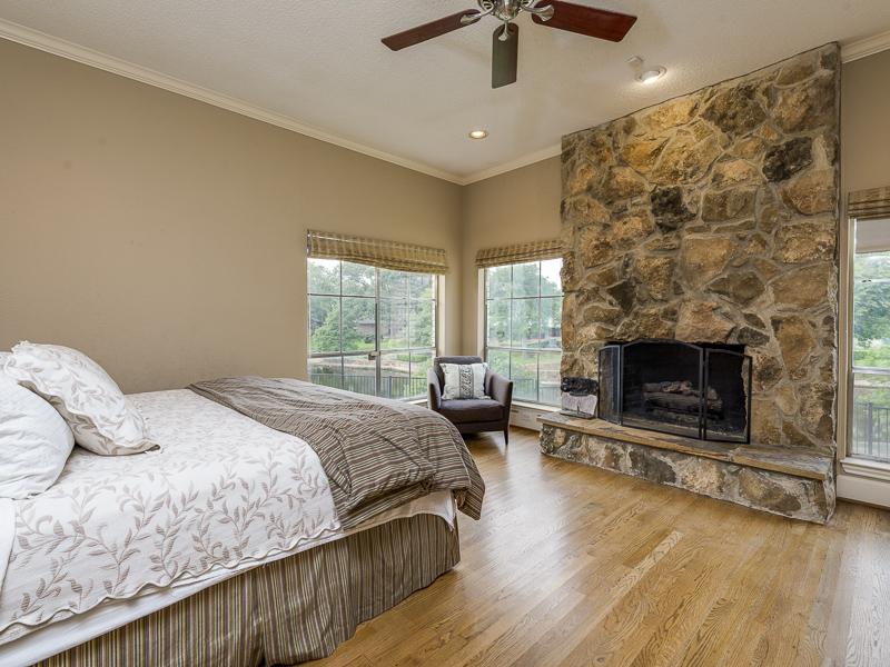 4224 Briarwood master bed