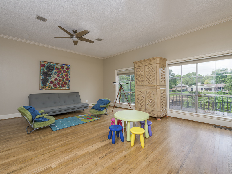 4224 Briarwood playroom