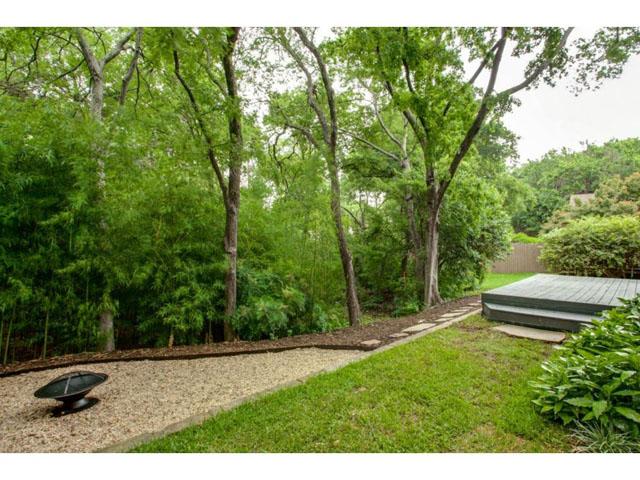 6201 Twin Oaks Backyard 2