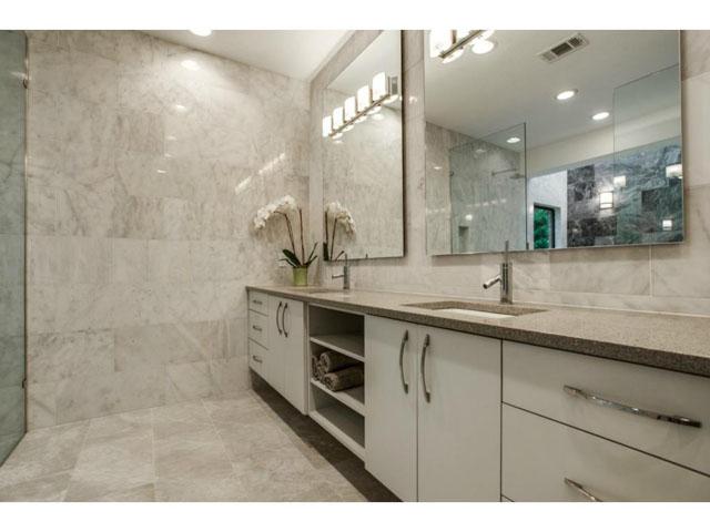6201 Twin Oaks Master Bath 2
