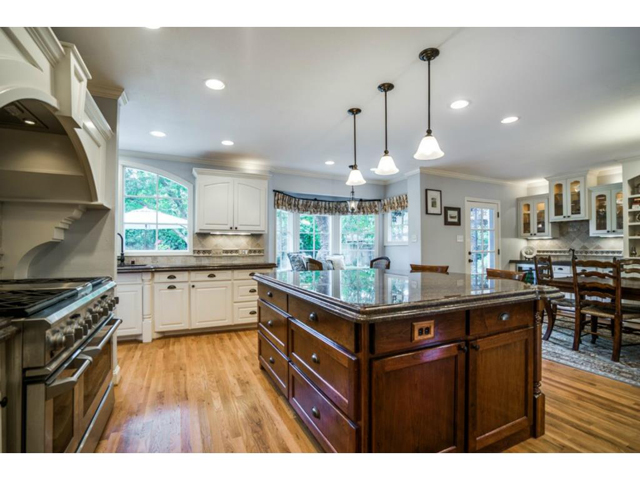 6426 Meadow Kitchen 2