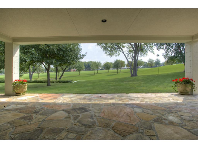 6624 Indian Creek Covered Patio