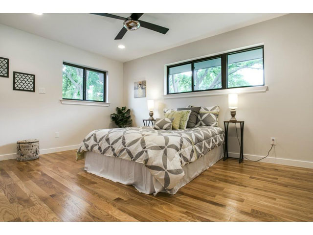 7701 Yamini Bedroom