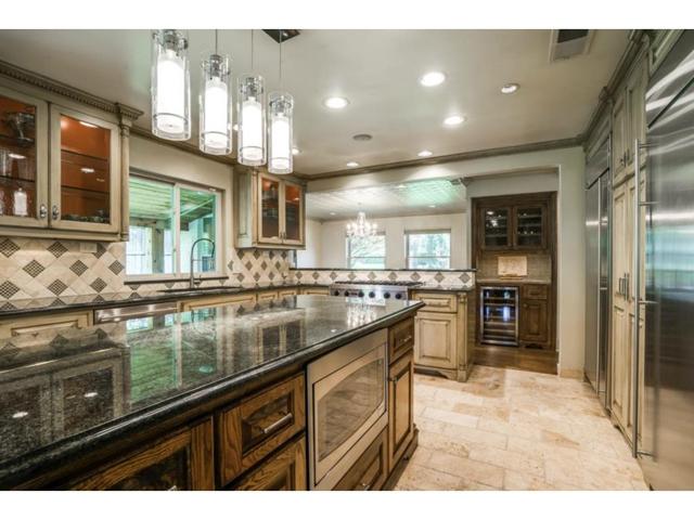 9706 Faircrest Kitchen 2