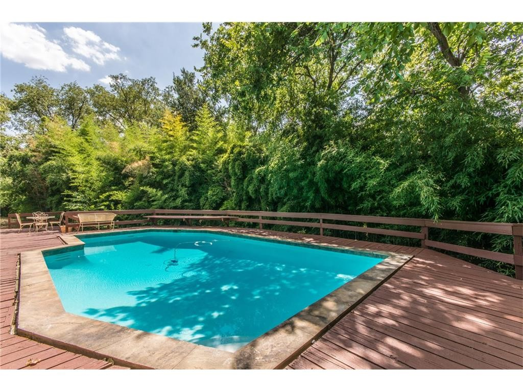 inwood home of the week life on betty jane lane is a blast to the