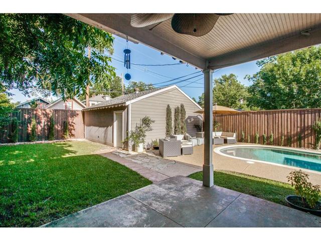 114 N. Edgefield Backyard