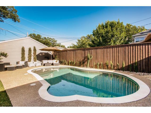114 N. Edgefield Pool