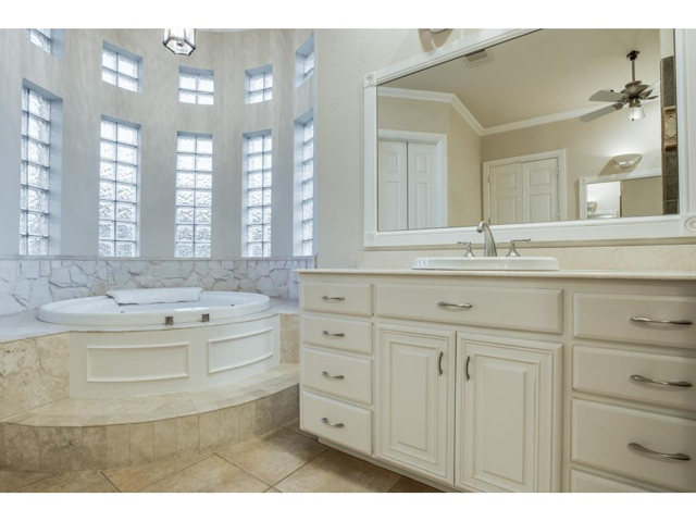 1222 Appaloosa Ct Master Bath 2