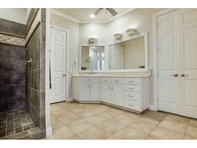1222 Appaloosa Ct Master Bath