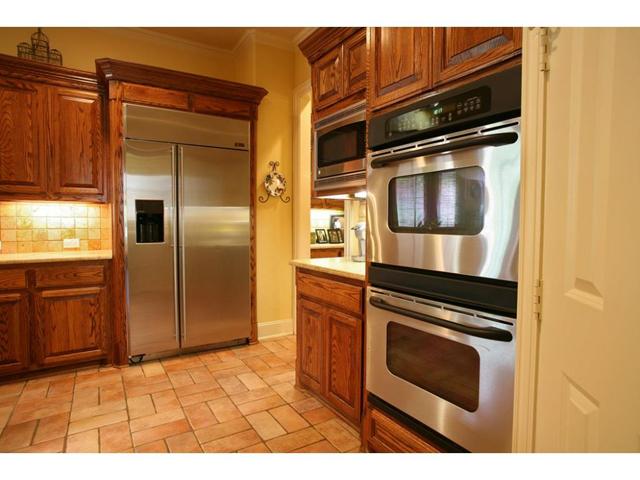 1327 Rio Grande Kitchen 2