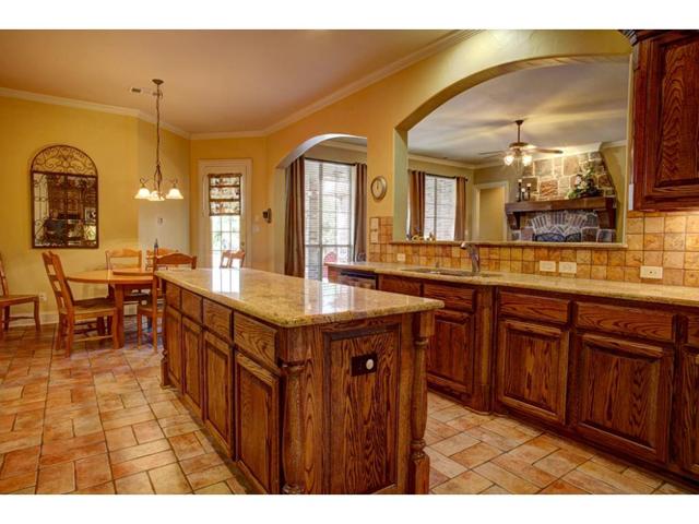 1327 Rio Grande Kitchen 4