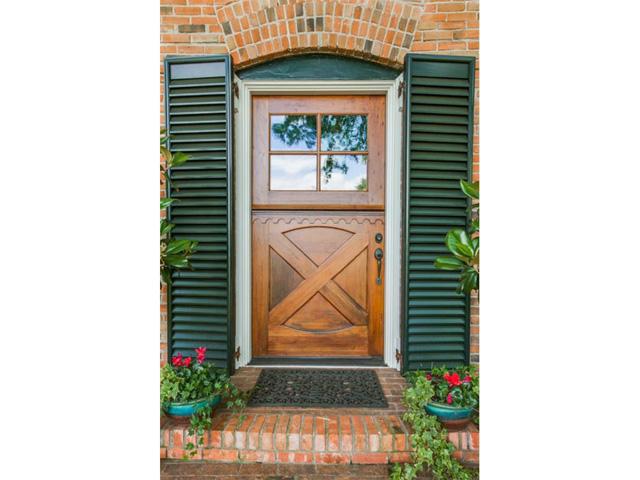 1920 W. Colorado Door