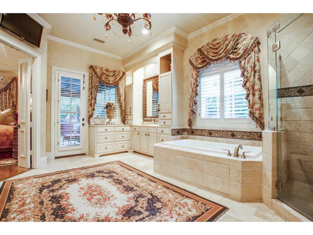 5009 Spanish Oaks Master Bath 2