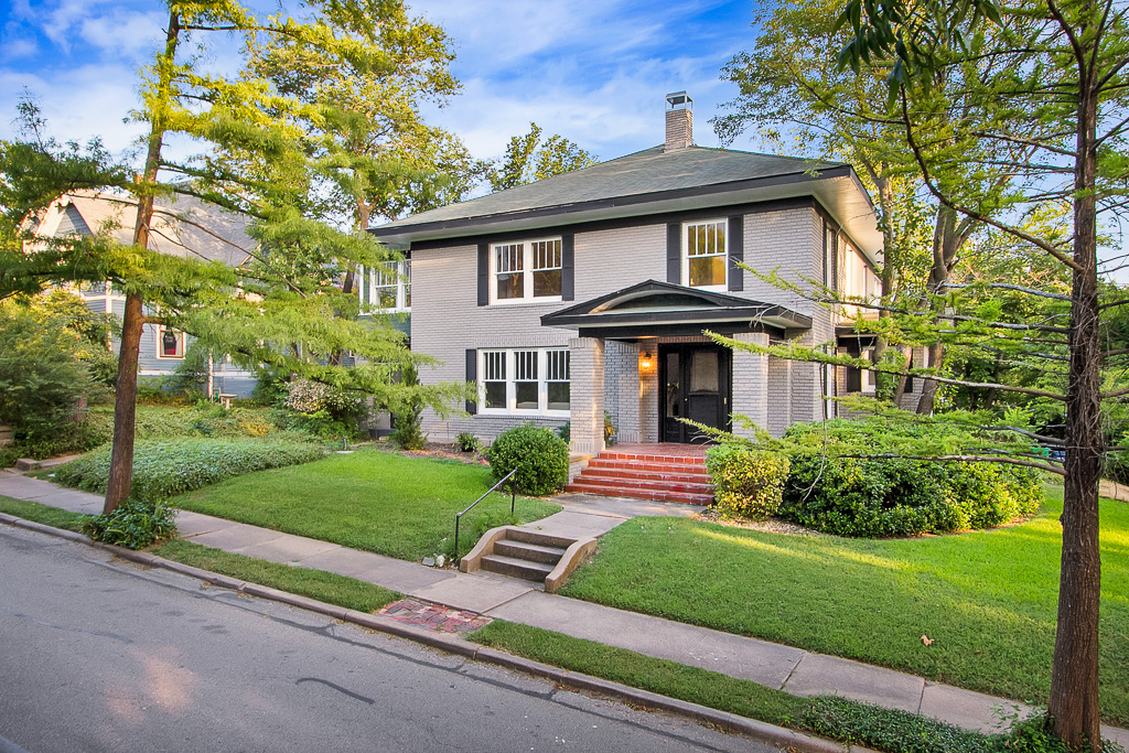 Renovated Historic Home In Downtown Mckinney