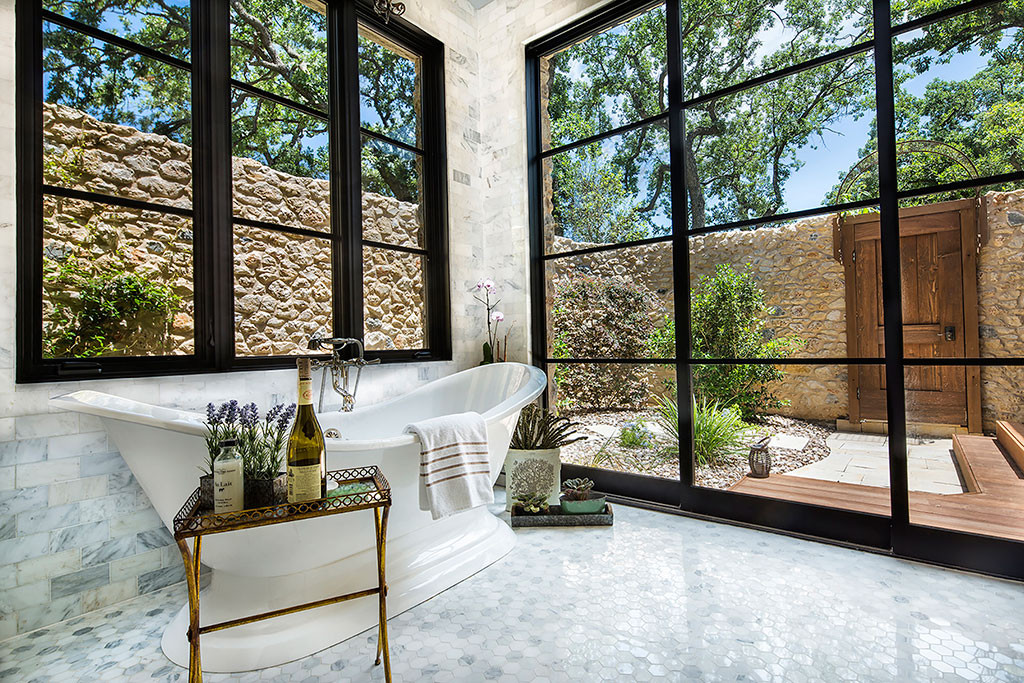 Best Builders in Dallas: a Look at the Spaces that Scooped Up Those ...