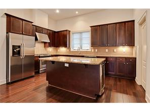 3210 Carlisle kitchen 2