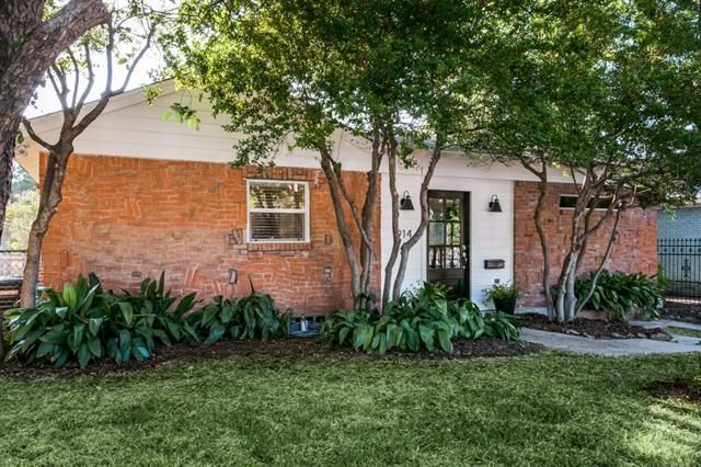 North Oak Cliff bungalow