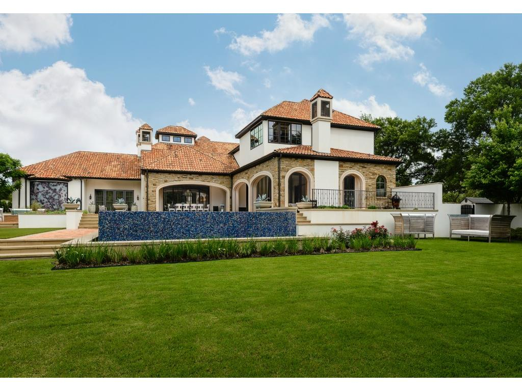 Jordan Spieth Snaps Up A New Pad In Dallas Buys Hunter