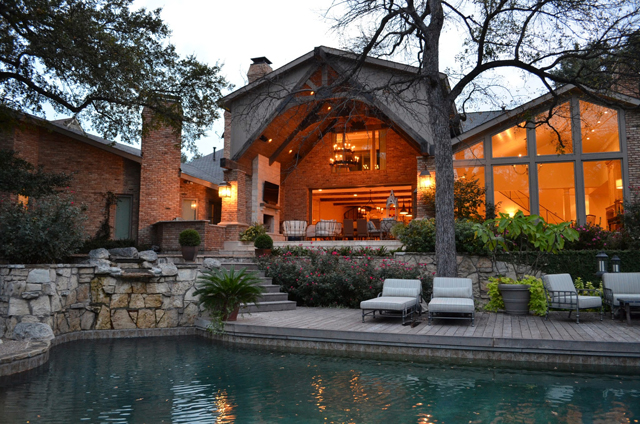 This  stunning contemporary remodel by Cresswell Builders won an award.