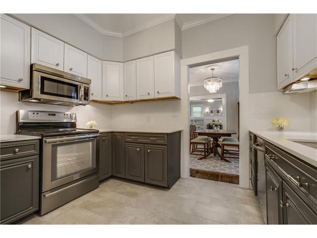 1034 Winnetka Kitchen