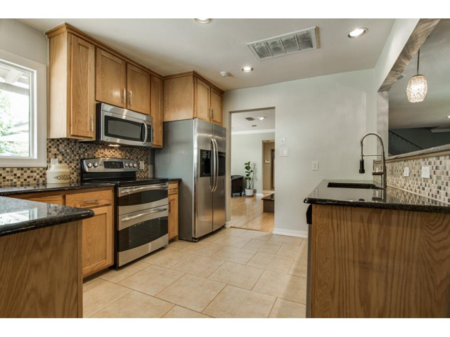 2203 W Colorado Kitchen