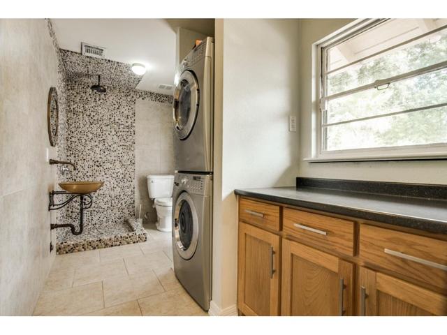 2203 W Colorado Mud:Laundry