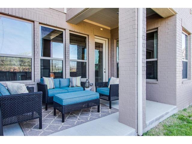 2272 Longwood Porch