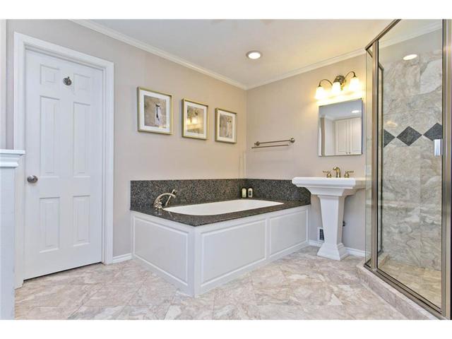 9722 Boedecker Master Bath