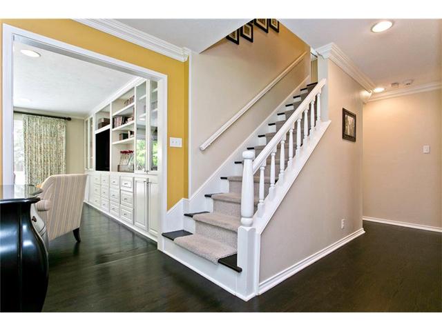 9722 Boedecker Stairs