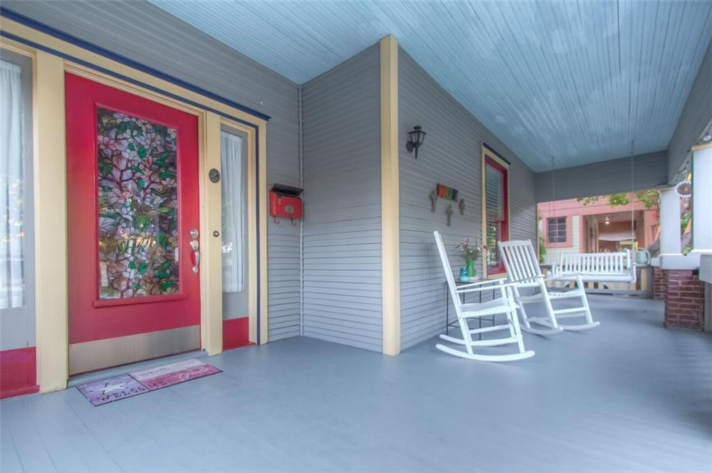 2209 Hurley ave fw porch CU
