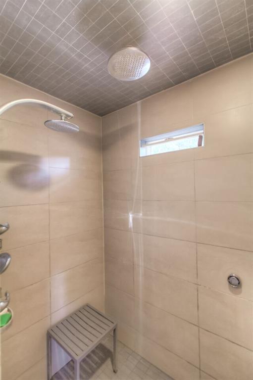 2209 Hurley way fw shower