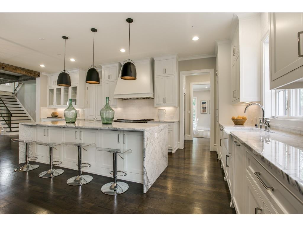 3104 Hanover kitchen3