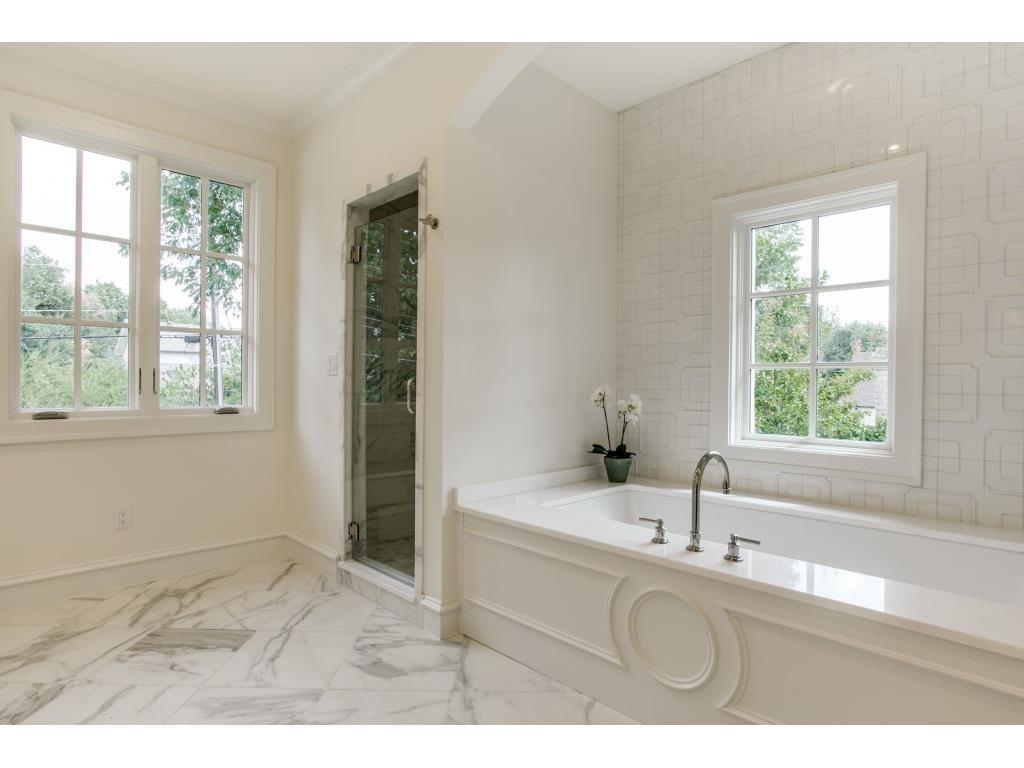 3104 Hanover master bath 3