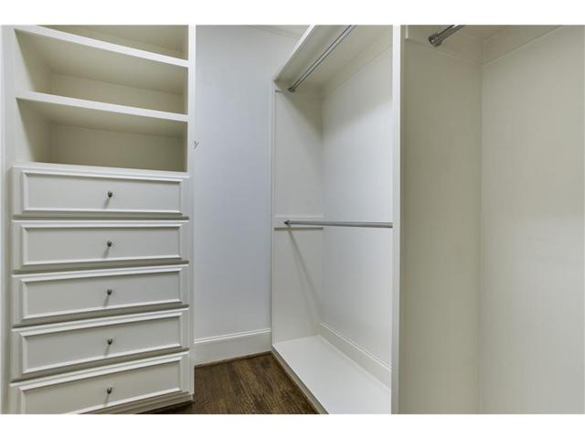 Vendome 12 E Closet