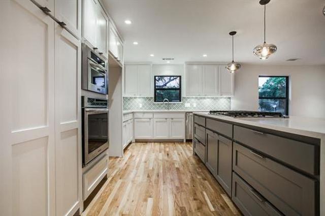 11761 Neering Kitchen 3