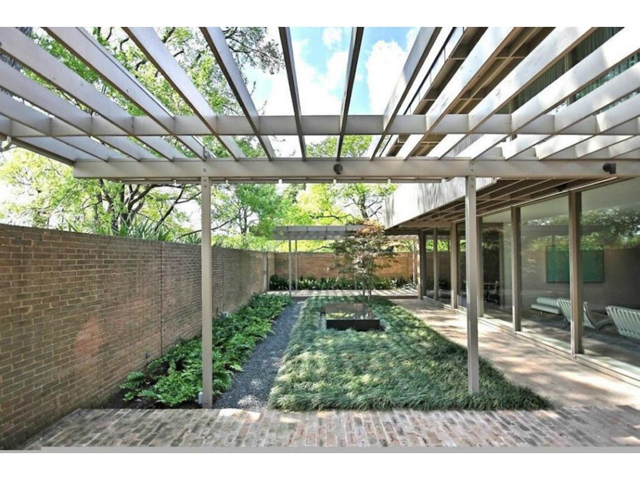 3616 Crescent Courtyard