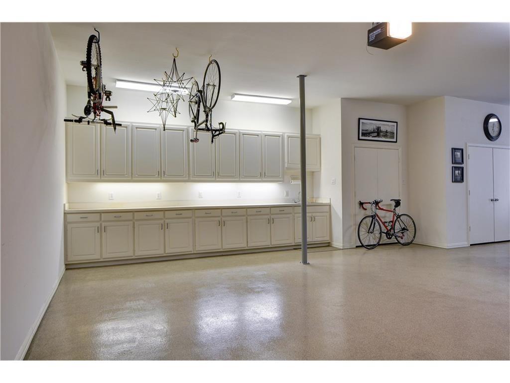 Thomas Street garage