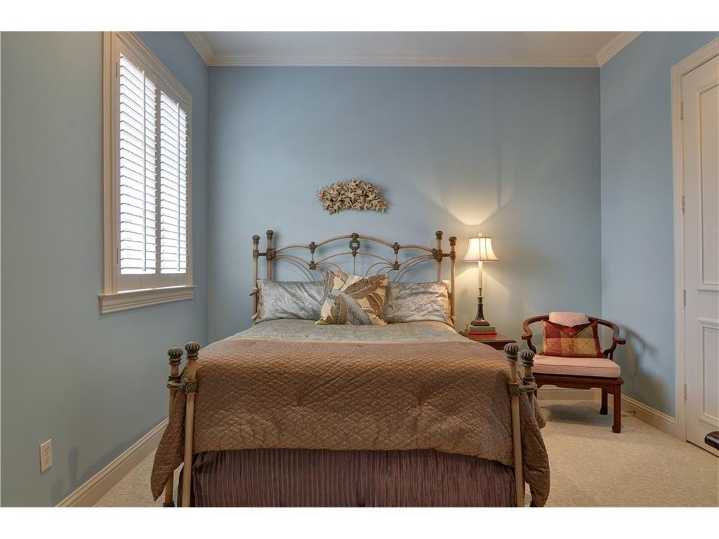 Thomas street bedroom 2