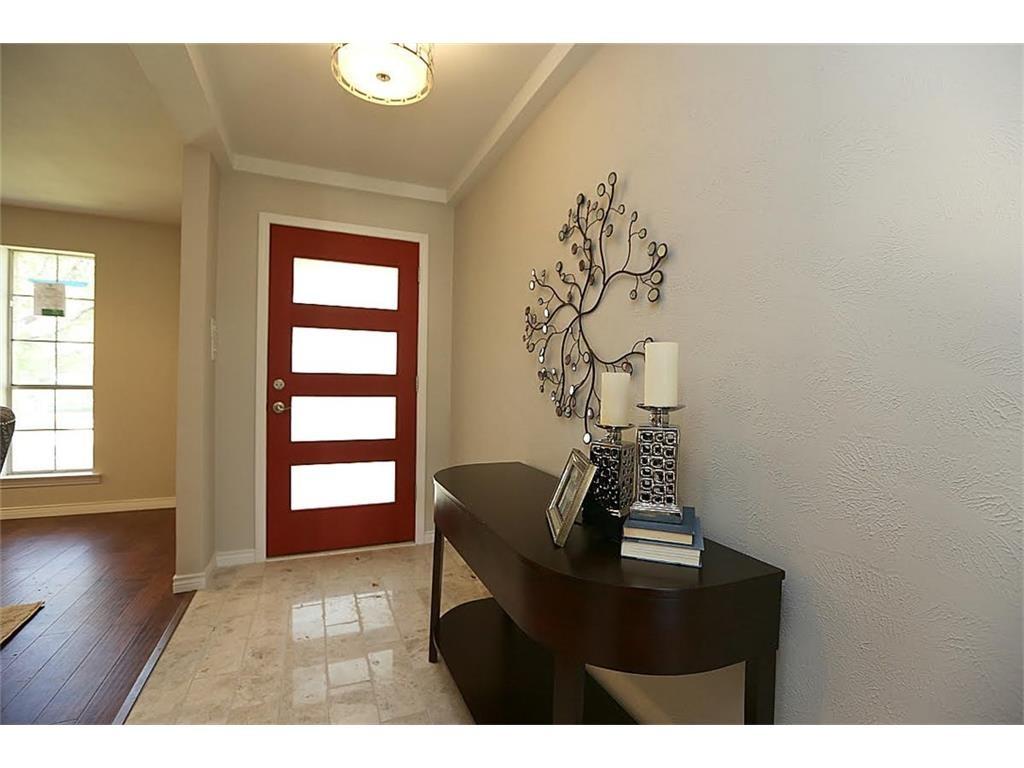 11515 Lochwood Foyer