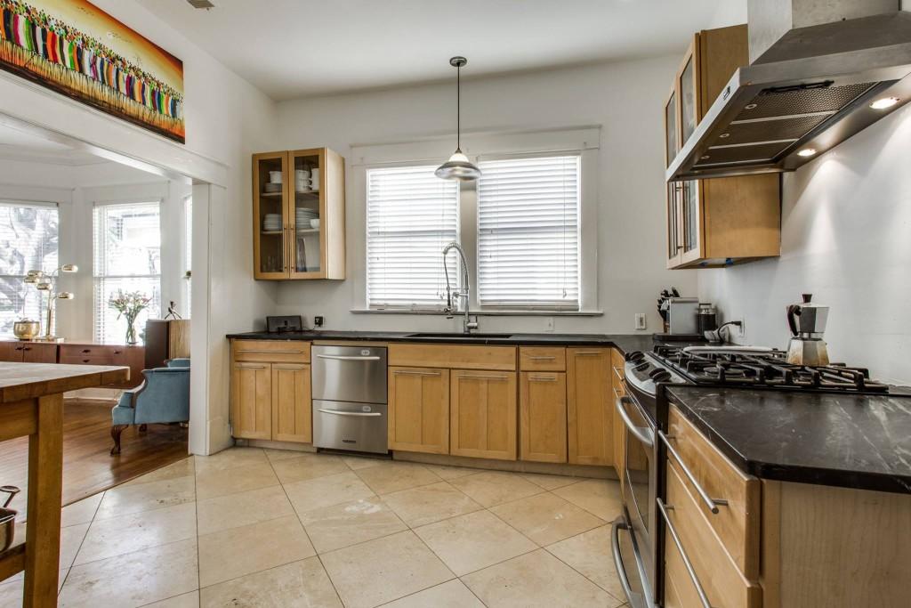 118 WH kitchen