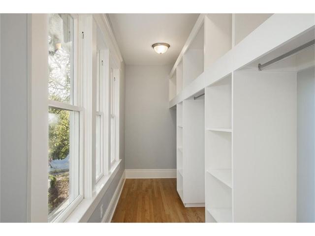 314 S. Winnetka Closet
